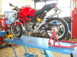 Ducati monster 1100 al cambio pneumatici